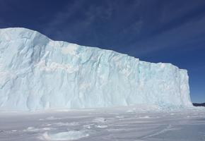 Ice shelf meets sea ice