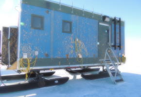 Berthing unit on skis to be used for the South Pole overland traverse
